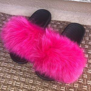 f3e3555d737 Nike Fur Slides - Fox - Hot Pink - Furry Sleepers